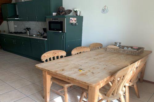 eettafel_keuken_zeven_persoons_appartement